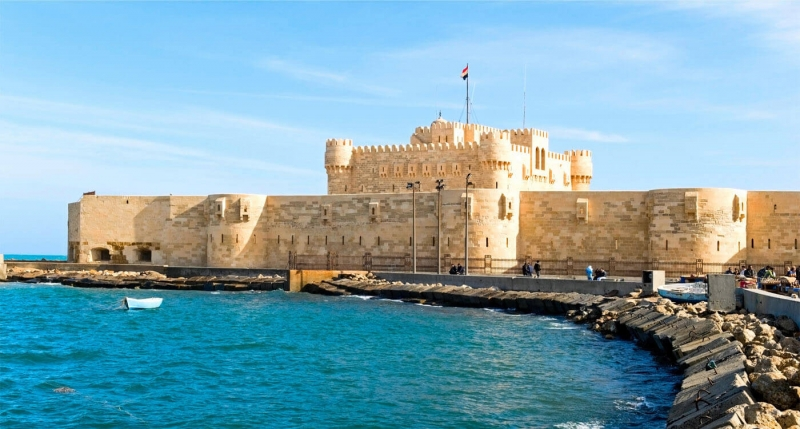 Pay a visit to Alexandria, Egypt's beautiful second city. See Roman catacombs, Qaitbey Citadel, and the Bibliotheca of Alexandria.