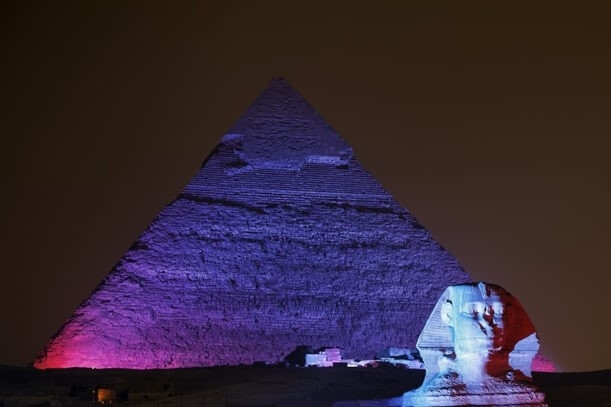 Enjoy watching the great Pyramids sound and light show. Find out the history of Ancient Egypt, and the story of the Sphinx, guardian of the Giza Necropolis, up 5000 years.