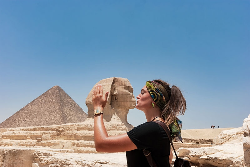Explore two different sides of Egypt on this 6-day Bahariya Oasis tours. visit the Great Pyramids of Giza