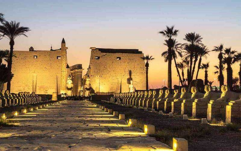 The incredible Luxor temple at night