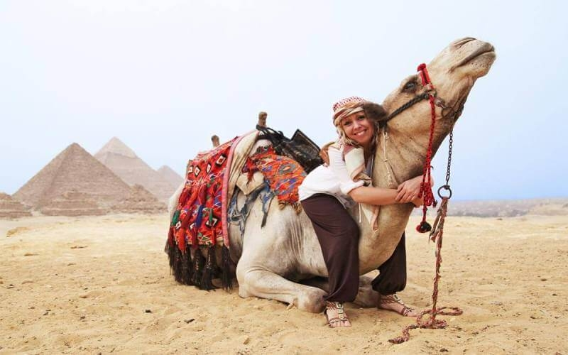 Enjoy your short break in Egypt and explore the best of Cairo and Luxor Tour in 5 days to visit the great Giza pyramids.